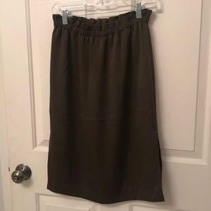 HM Olive Green Midi Skirt w/ side slits — Size 8